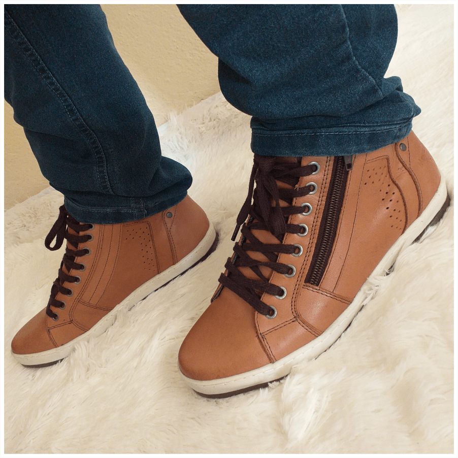 Bota estilo Sapatenis Mega Boots Couro Legítimo Ziper Lateral Masculino - 15018A